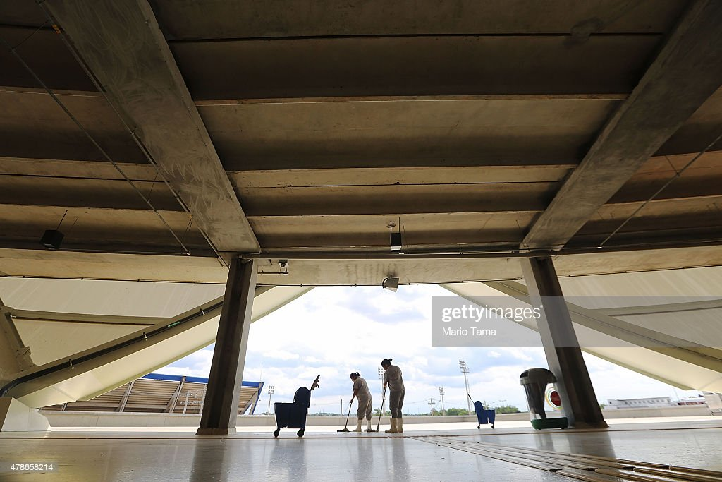 ♕ SPIRIT BRINGERS: EMPYREAN REALM. (SAGA DE DENEB) - Página 11 Workers-clean-a-hallway-in-the-arena-de-amazonia-june-26-2015-in-picture-id478658214