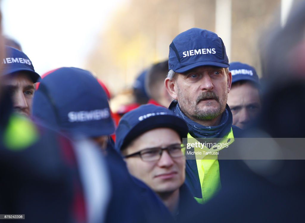 Siemens Workers Protest Layoffs