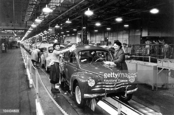 Workers polishing a 4CV in a Renault factory in BoulogneBillancourt in the 1950s