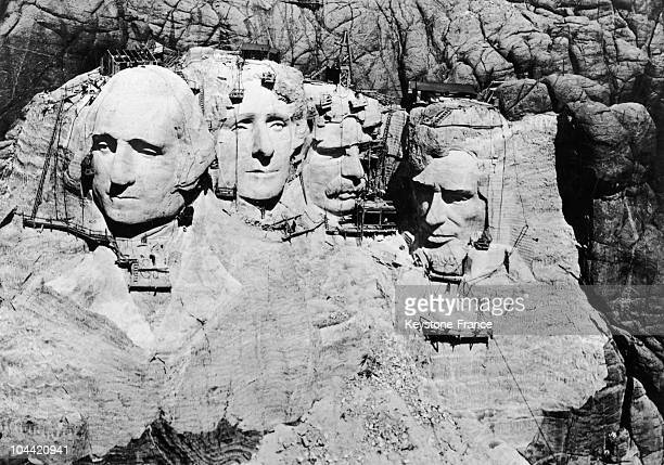 Workers Put The Finishing Touches On Mount Rushmore In The Black Hills Of South Dakota On June 12 1941 This National Monument Sculpted In The Granite...