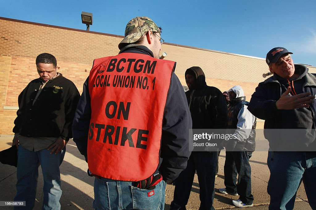 Workers with the Bakery, Confectionery, Tobacco Workers and Grain Millers International Union stage a walkout at the Hostess Brands bakery on November 15, 2012 in Schiller Park, Illinois. Workers at the facility were not allowed by their contract to strike so they walked off their jobs in a show of support for workers at Hostess facilities that were allowed to strike. Hostess Brands Inc. has warned striking employees that it will move to liquidate the company if plant operations don't return to normal levels this afternoon.