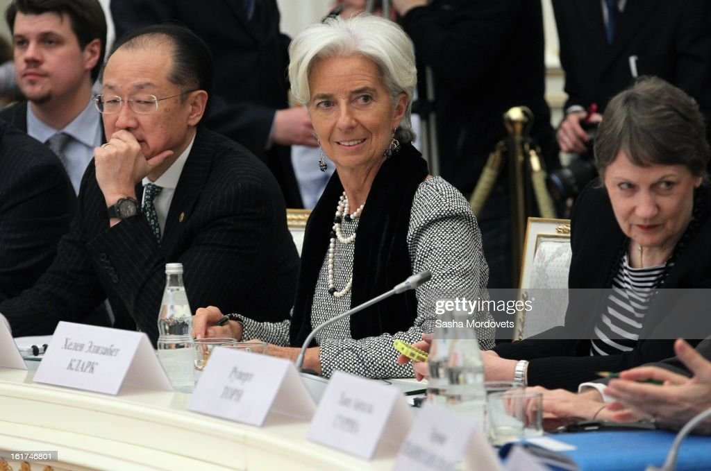 World Bank Group President <a gi-track='captionPersonalityLinkClicked' href=/galleries/search?phrase=Jim+Yong+Kim&family=editorial&specificpeople=2302483 ng-click='$event.stopPropagation()'>Jim Yong Kim</a> (2nd L) and Managing Director of the International Monetary Fund <a gi-track='captionPersonalityLinkClicked' href=/galleries/search?phrase=Christine+Lagarde&family=editorial&specificpeople=566337 ng-click='$event.stopPropagation()'>Christine Lagarde</a> (2nd R) attend a meeting of the G20 finance leaders meet in the Kremlin February 15, 2013 in Moscow, Russia. The G20 countries, that make up 90 percent of the worlds gross domestic product, is reportedly set to be dominated by the issue of counties using their currency fro economic gain over the weekend of meetings.