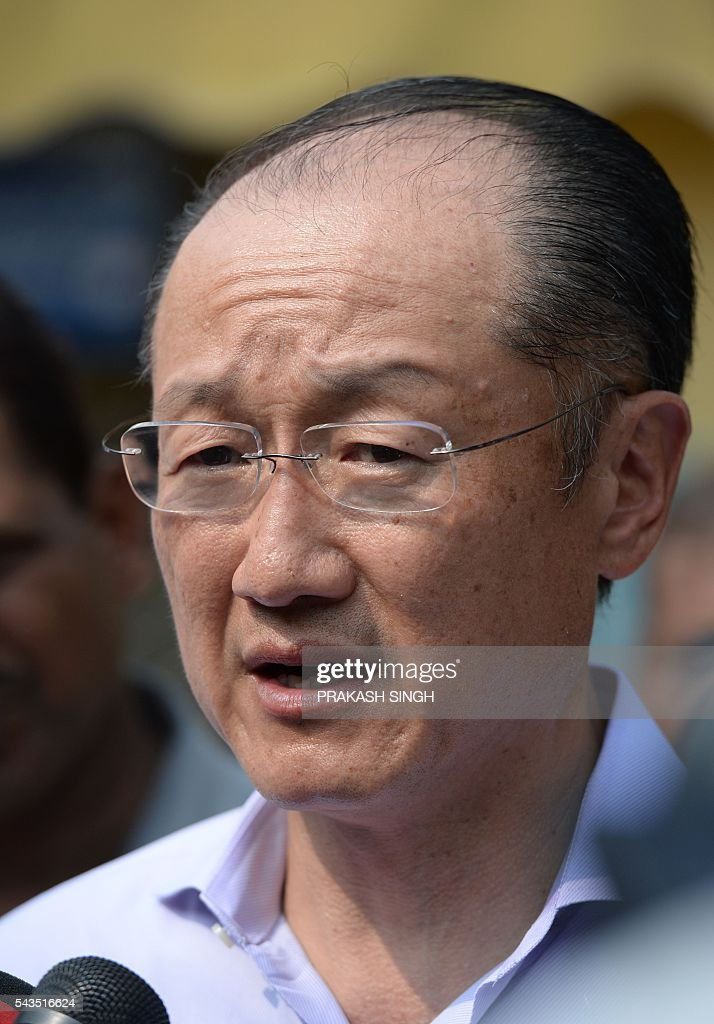 World Bank Group President Jim Yong Kim interacts with the media during a visit to the Integrated Child Development Services (ICDS) centre in New Delhi on June 29, 2016. / AFP / Prakash SINGH
