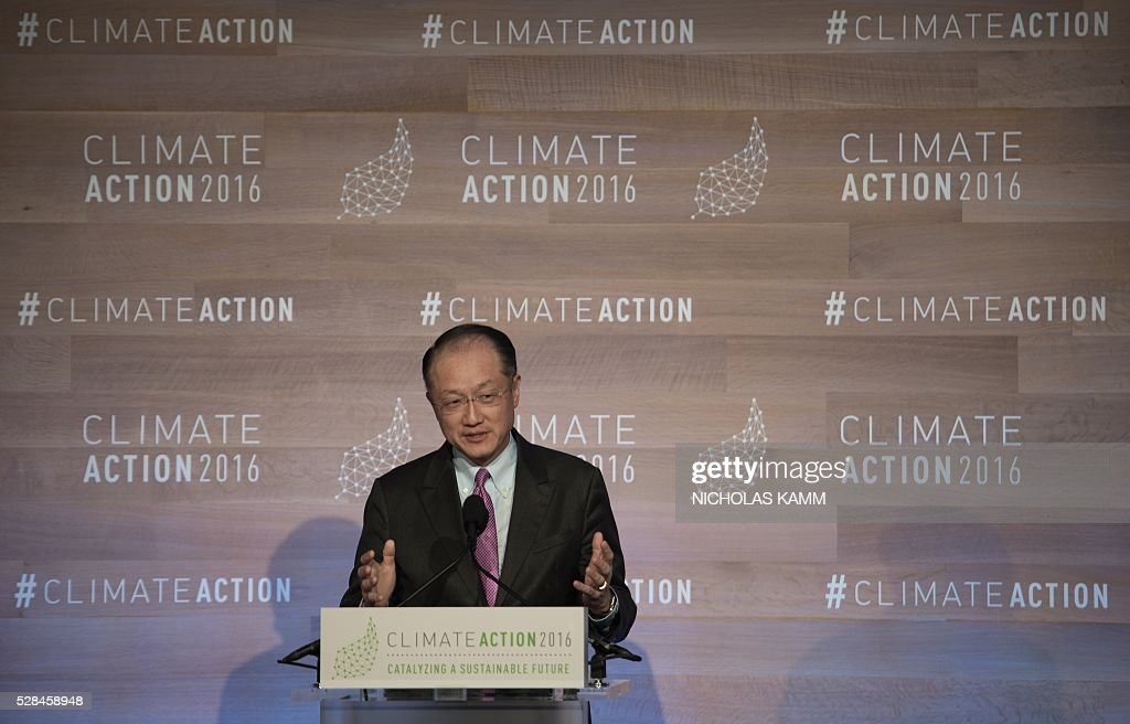 World Bank president Jim Yong Kim addresses the opening session of the Climate Action 2016 conference in Washington, DC, on May 5, 2016. / AFP / NICHOLAS