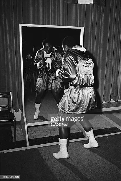 World Champion Joe Frazier Prepares His Match Against Muhammad Ali Le champion du monde des poids lourds Joe FRAZIER prépare son combat contre...