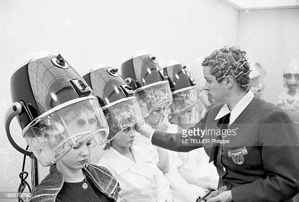 World Championships Of Hairdressing Paris 16 octobre 1960 Les championnats du monde de coiffure pour dames du lors Festival mondial de la coiffure...