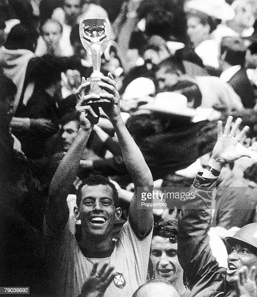 World Cup Final Azteca Stadium Mexico 21st June Brazil 4 v Italy 1 Brazilian captain Carlos Alberto holds aloft the Jules Rimet trophy at the end of...