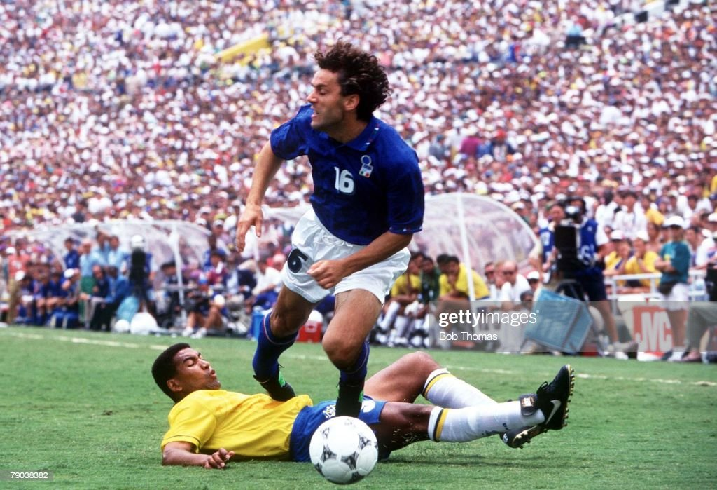 World Cup Final, Pasadena, USA, 17th July, 1994, Brazil 0 v Italy 0, (Brazil won 3-2 on penalties), Italy's Roberto Donadoni beats Brazil's Mauro Silva