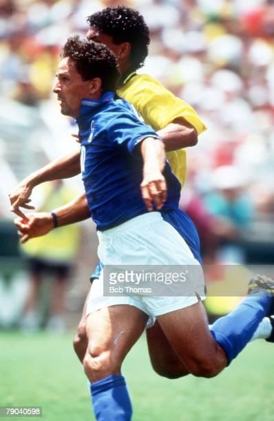 World Cup Final Pasadena USA 17th July Brazil 0 v Italy 0 Italy's Roberto Baggio races away from a Brazilian player