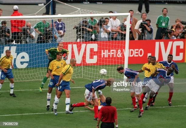 World Cup Final St Denis France 12th July France 3 v Brazil 0 France's Zinedine Zidane scores France's second goal with a header from a corner