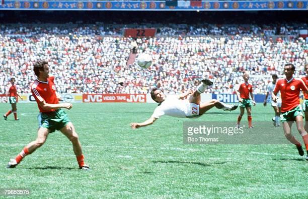 World Cup Finals Azteca Stadium Mexico 15th June Mexico 2 v Bulgaria 0 Mexico's Manuel Negrete tries a spectacular scissors kick