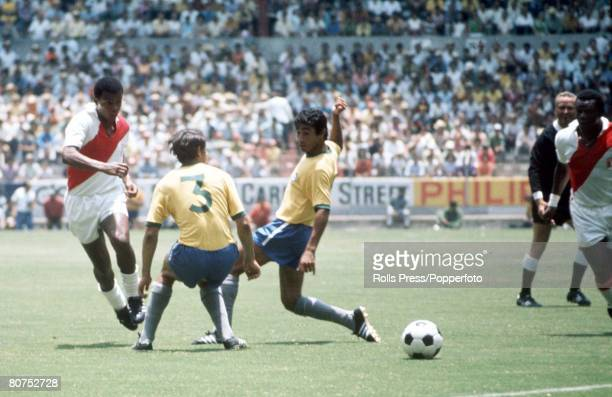 World Cup Finals Guadalajara Mexico 14th June Brazil 4 v Peru 2 Peru's Teofilo Cubillas passes the ball to a teammate through the challenges of...