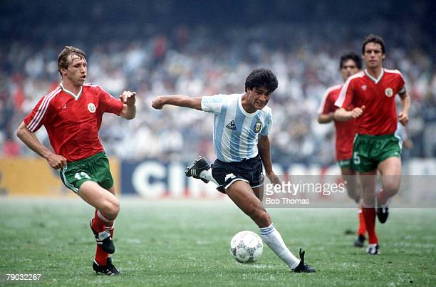 World Cup Finals Mexico City Mexico 10th June Argentina 2 v Bulgaria 0 Argentina's Claudio Borghi battles for the ball with Bulgaria's Alexander...