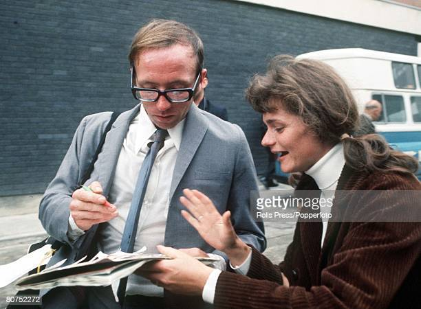 World Cup Finals Mexico England's Nobby Stiles signs an autograph for a fan on his team's arrival at Heathrow airport following the 1970 World Cup...