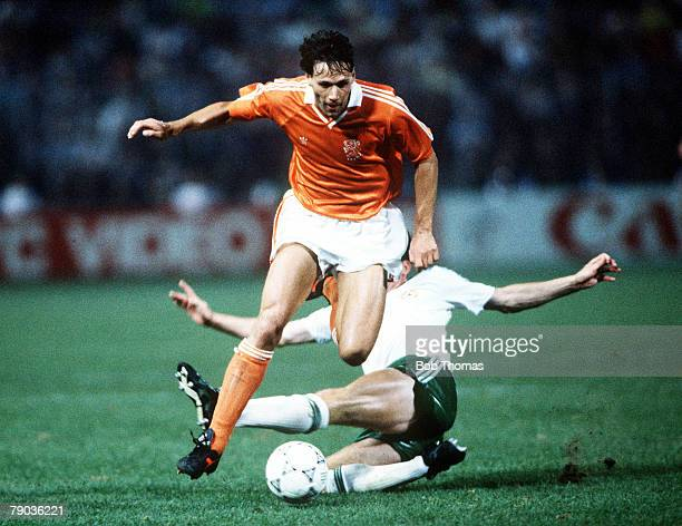 World Cup Finals Palermo Italy 21st June Holland 1 v Republic Of Ireland 1 Holland's Marco Van Basten on the ball
