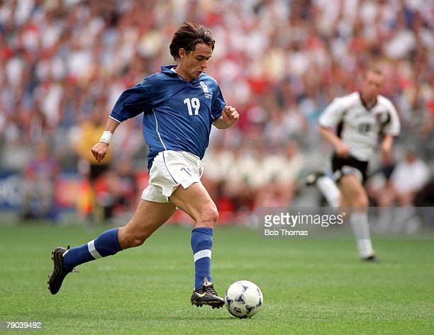 World Cup Finals Paris France 23rd JUNE 1998 Italy 2 v Austria 1 Italy 's Filippo Inzaghi runs with the ball