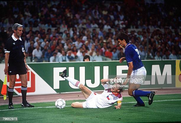 World Cup Finals Rome Italy 19th June Italy 2 v Czechoslovakia 0 Italy's Paolo Maldini puts Czecholovakia's Ivan Hasek under pressure as the linesman...