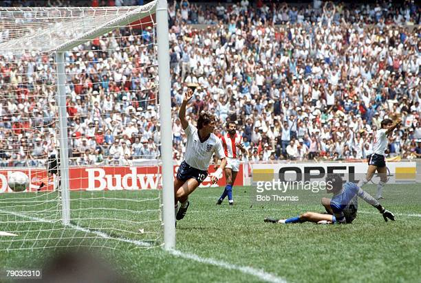 World Cup Finals Second Phase Azteca Stadium Mexico 18th June England 3 v Paraguay 0 England's Gary Lineker turns to celebrate after scoring the...