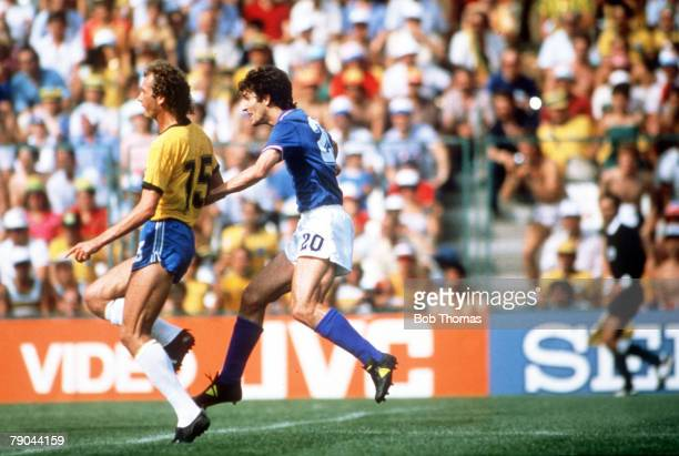 World Cup Finals Second Phase Barcelona Spain 5th July Italy 3 v Brazil 2 Italy's Paolo Rossi shoots and scores past Brazil's Paulo Falcao