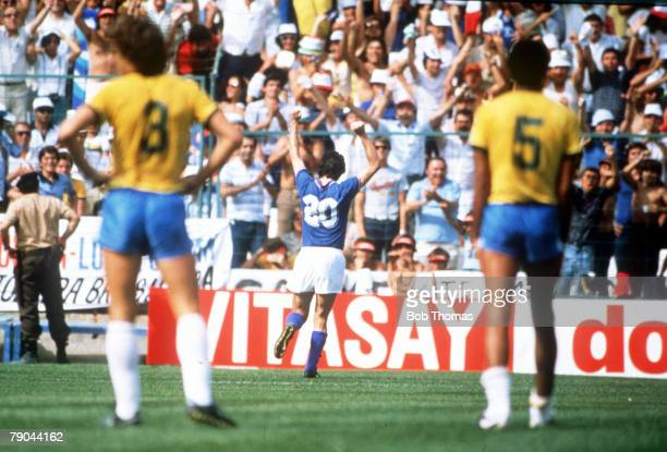 World Cup Finals Second Phase Barcelona Spain 5th July Italy 3 v Brazil 2 Italy's Paolo Rossi celebrates with the fans after scoring the first of his...
