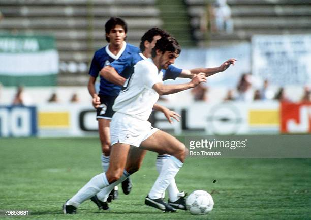 World Cup Finals Second Phase Puebla Mexico 16th June Argentina 1 v Uruguay 0 Uruguay's Enzo Francescoli takes on the Argentine defence