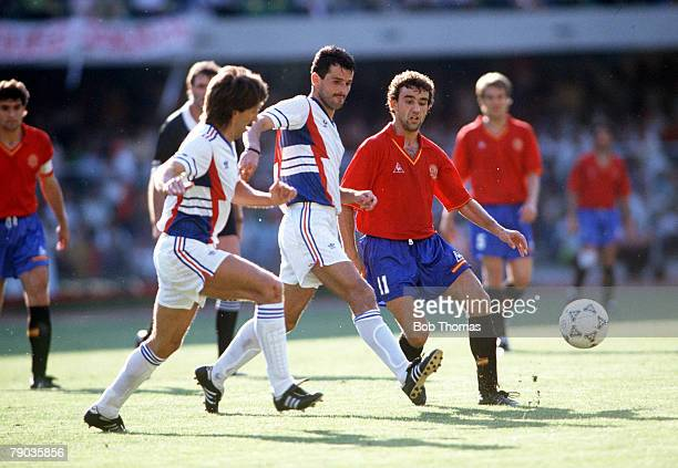 World Cup Finals Second Phase Verona Italy 26th June Yugoslavia 2 v Spain 1 Spain's Francisco Villaroya plays the ball past two Yugoslav defenders