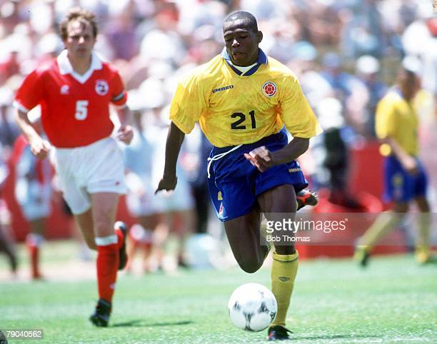 World Cup Finals Stanford USA 26th June Colombia 2 v Switzerland 0 Colombia's Faustino Asprilla gets away from the Swiss defence