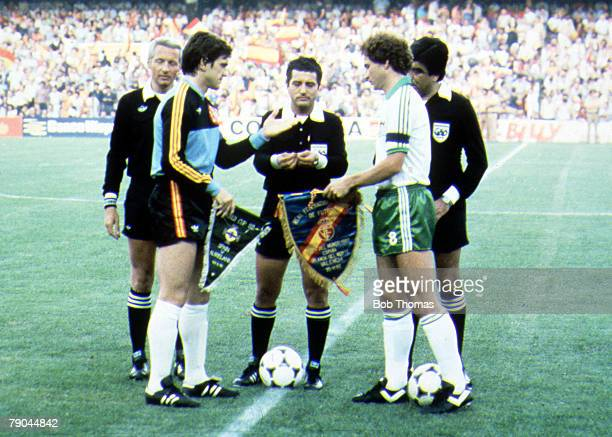 World Cup Finals Valencia Spain 25th June Spain 0 v Northern Ireland 1 Spain's goalkeeper and captain Luis Arconada exchanges pennants with Northern...