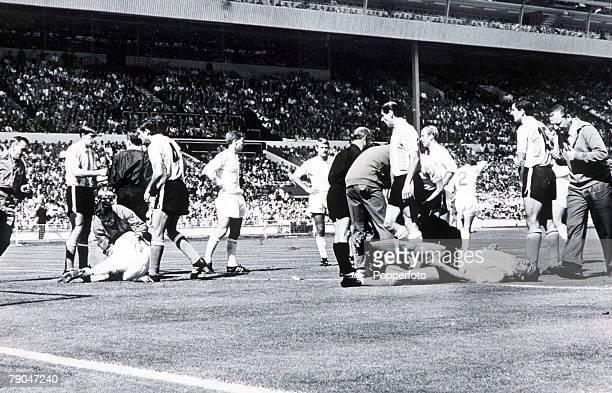 World Cup QuarterFinal Wembley Stadium London England England 1 v Argentina 0 23rd July England defender Jack Charlton and an Argentine defender lie...