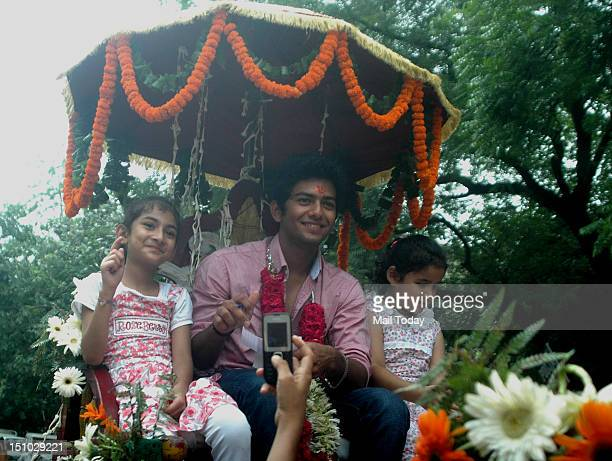 World Cupwinning India under19 cricket team captain Unmukt Chand recieves a grand welcome as he reach his residence in New Delhi on Thursday 30th...