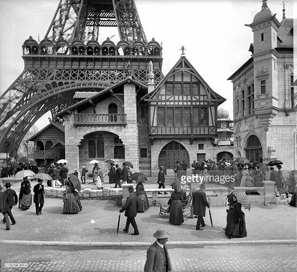 World Fair of 1889 Paris The pavilion of Venice glassmaking at the foot of the Eiffel Tower
