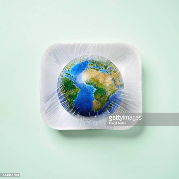 World in food packaging