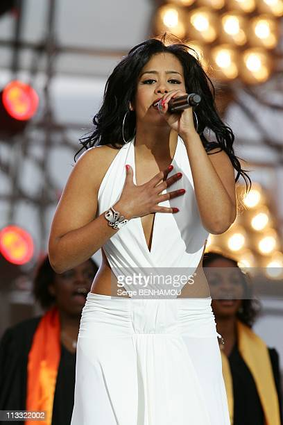 'World Music Day 2007' In Paris France On June 21 2007 Amel Bent