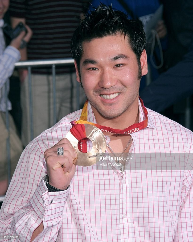 World Premiere of 'Shaggy Dog' in Hollywood, United States on March 07, 2006 - Torino 2006 Winter Olympic bronze medalist speed skater <a gi-track='captionPersonalityLinkClicked' href=/galleries/search?phrase=Toby+Dawson&family=editorial&specificpeople=709127 ng-click='$event.stopPropagation()'>Toby Dawson</a> at the World Premiere of 'Shaggy Dog' at El Capitan theatre.