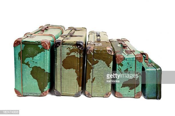 Des voyageurs du monde entier de valises