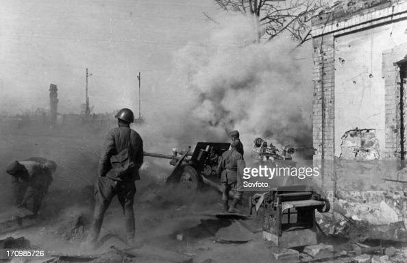 World war 2 battle of stalingrad a soviet artillery crew firing at the enemy november 1942