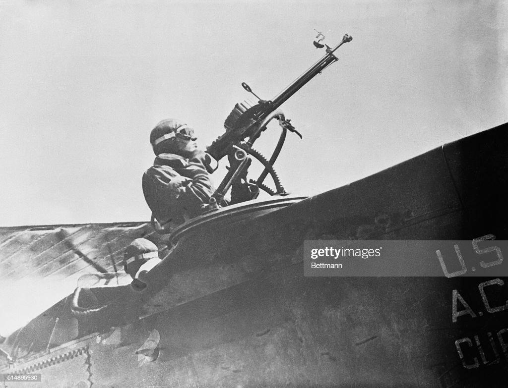 World War I machine gunner Photograph 1916