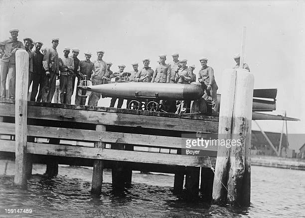World War I Transporting a torpedo to the loading site United States 1915
