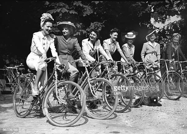 World War II Day of elegance on bicycle Paris June 1942