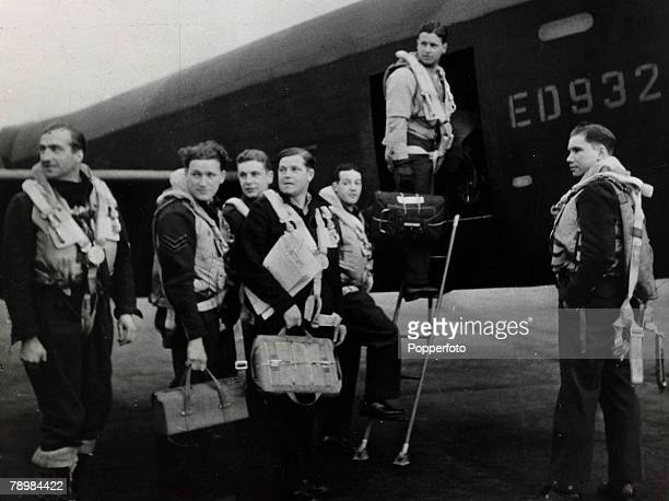 circa 1943 The crew of 617 squadron's G for George board the Lancaster bomber lr TrevorRoper Pulford Deering Spafford Hutchison Guy GibsonTaerum...