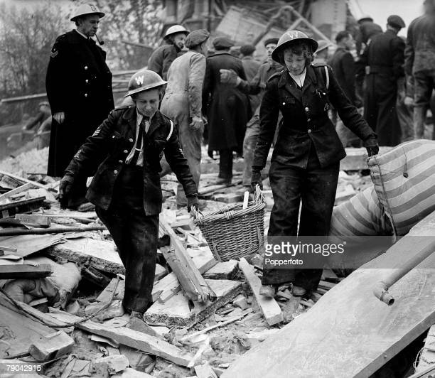World War II Rockets England 31st October 1944 Rescue workers in the debris of what once was the Maries Hotel Purfleet Surrey which was hit by a...