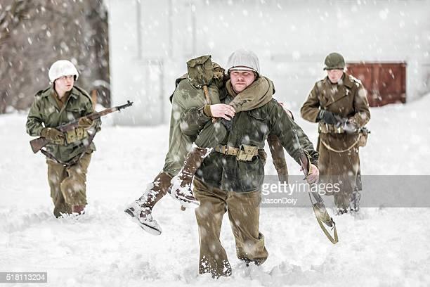 La II Guerra Mondiale soldati feriti di trasporto