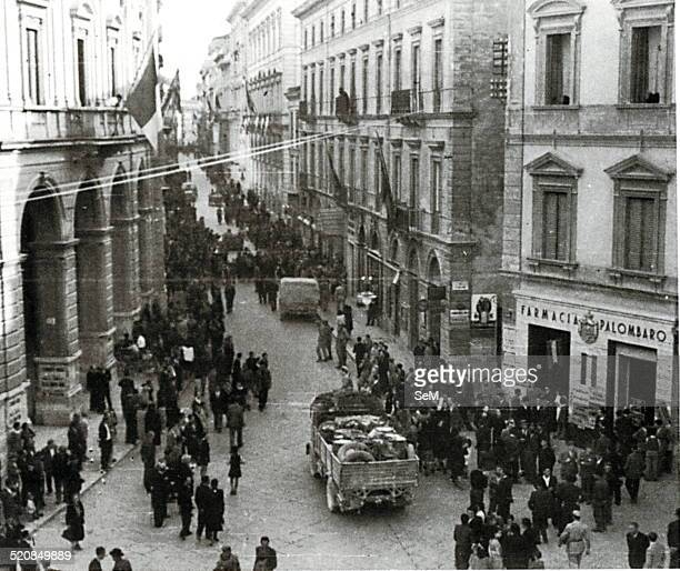 World War II1944 Campaign in Italy Paratroopers Division Nimbus CLI Body of Italian liberation enter the city of Chieti