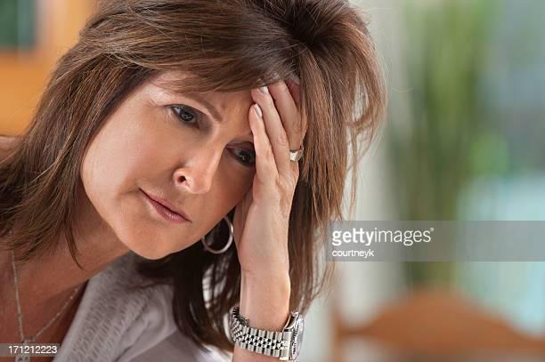 Besorgt Frau reiferen Alters