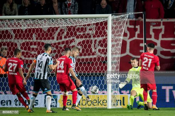 Wout Droste of Heracles Almelo goalkeeper Bram Castro of Heracles Almelo Danny Holla of FC Twente during the Dutch Eredivisie match between FC Twente...