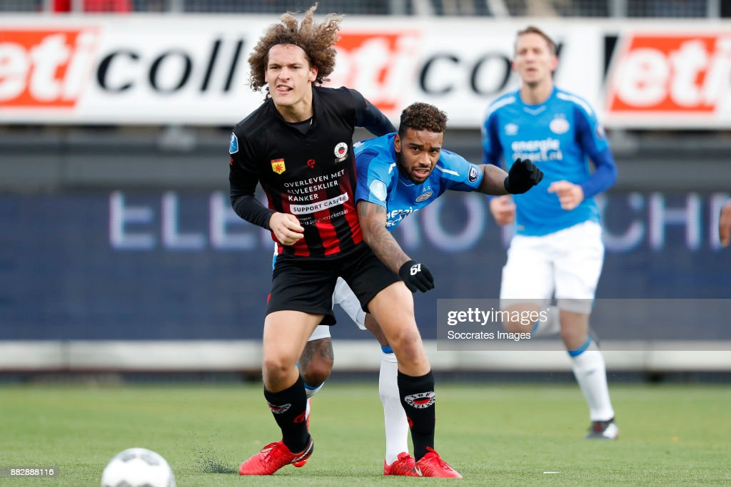 Wout Faes of Excelsior, Jurgen Locadia of PSV during the Dutch Eredivisie match between Excelsior v PSV at the Van Donge & De Roo Stadium on November 26, 2017 in Rotterdam Netherlands