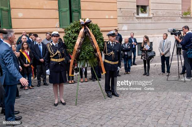 A wreath is presented during the commemoration of the 1982 terrorist attack at the Great Synagogue of Rome 1982 on October 9 2017 in Rome Italy On...