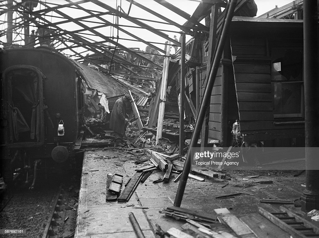 wreckage piled up at bletchley railway station. Black Bedroom Furniture Sets. Home Design Ideas