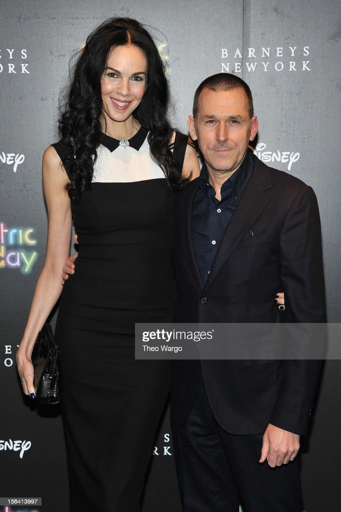 <a gi-track='captionPersonalityLinkClicked' href=/galleries/search?phrase=L%27Wren+Scott+-+Fashion+Designer&family=editorial&specificpeople=566708 ng-click='$event.stopPropagation()'>L'Wren Scott</a> and CEO of Barneys New York, Mark Lee attend Barneys New York And Disney Electric Holiday Window Unveiling Hosted By Sarah Jessica Parker, Bob Iger, And Mark Lee on November 14, 2012 in New York City.