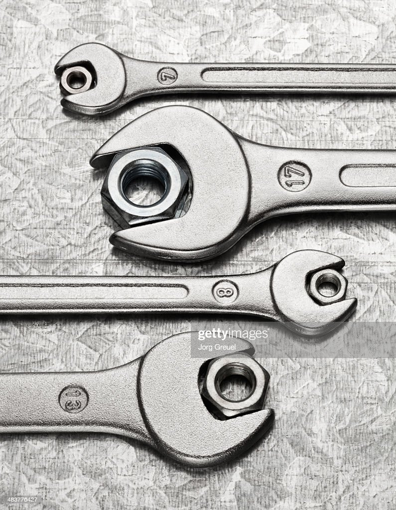 Wrenches and hexagon nuts